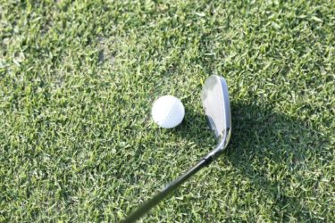 おしゃれゴルフ女子はアイアンのお手入れに手を抜かないのが鉄則