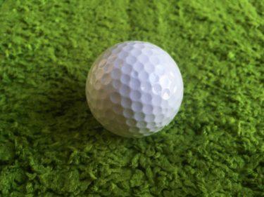 ゴルフを今まで以上に上達させるためには右手の力を上手に使おう